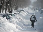 """Como señala Vigneault, """"Quebec no es un país sino que es el invierno""""... Pese a ello, tanto el Ministerio de Transportes como el de Seguridad Pública fueron incapaces de enfrentar adecuadamente una urgencia ambiental anunciada. Cinco personas resultaron muertas durante la última gran tempestad de nieve de marzo. Varios de los fallecidos no recibieron auxilio por parte de las entidades especializadas. FOTO: MOURIAL COMMONS"""