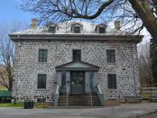 En la foto, la Maison Smith, construida en 1858. Esta casa ha tenido muchas funciones: residencia de los cuidadores del Parque Mont-Royal, estación de policía y de primeros auxilios, centro de arte, Musée de la Chasse et de la Nature. Desde su renovación en 1999, la casa acoge a los visitantes, así como a las oficinas de Les Amis de la montagne. FOTO: ANOUK DESAUTELS